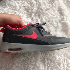 Nike Thea shoes